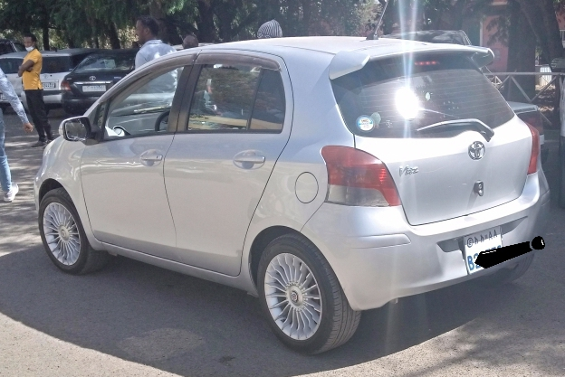 Toyota YARIS COMPACT,2010 MODEL