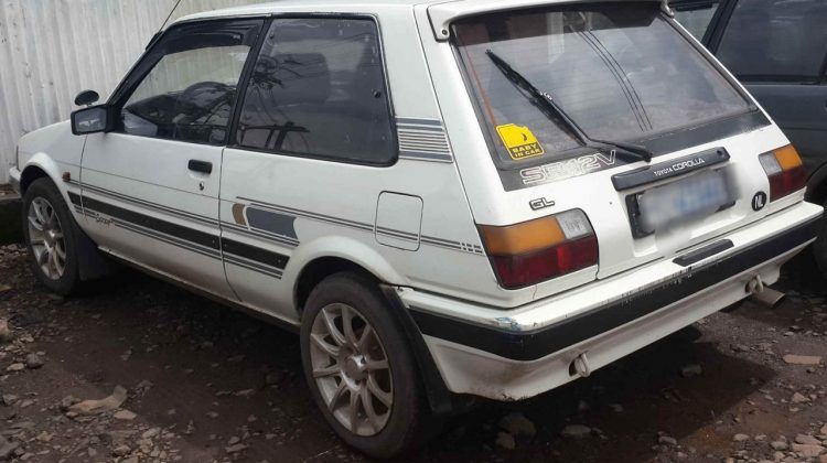 Toyota DX compact 1986 model