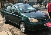 Toyota platz 2005