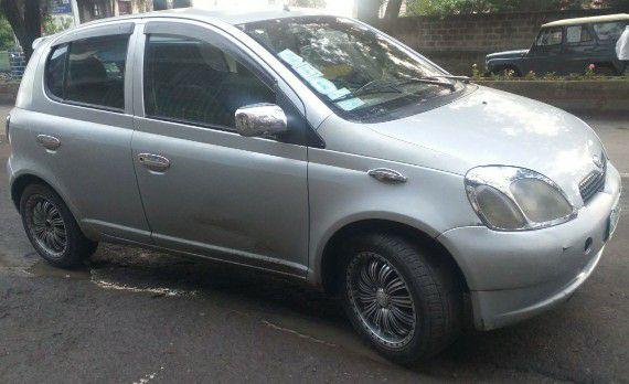 Toyota Vitz RIDE (2001)